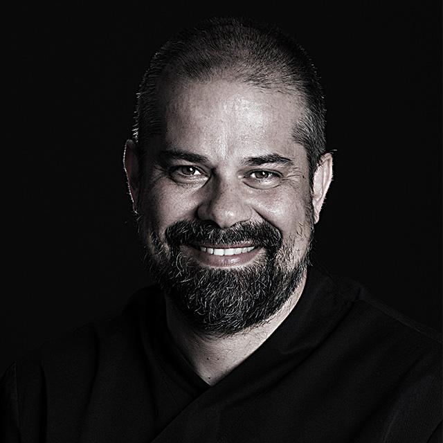Dr. Damir Snjaric